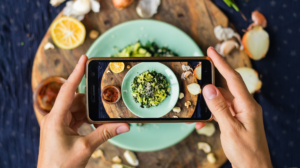 The Role of Social Media To Promote Healthy Lifestyles.