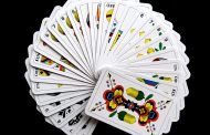 Poker Strategy: Keeping Your Variance Low